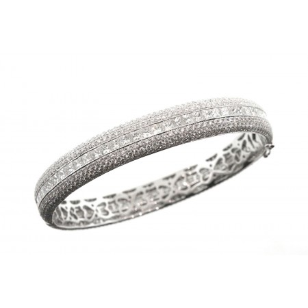 18K WHITE GOLD 7.00 CARAT TOTAL WEIGHT DIAMOND BANGLE