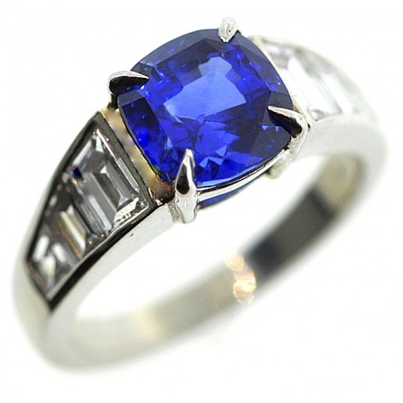 PLATINUM UNHEATED BURMESE 3.55-CT BLUE SAPPHIRE DIAMOND RING with GIA Colored Gemstone Grading Report